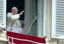 Il Papa all'Angelus: L'Avvento è un incessante richiamo alla speranza: ci ricorda che Dio è presente nella storia per condurla al suo fine ultimo per condurla alla sua pienezza, che è il Signore, il Signore Gesù Cristo.